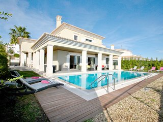 SUPERB 6 BED VILLA, AIR COND, WI-FI, POOL, GAMES ROOM &  CLOSE TO ALL AMENITIES