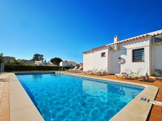 CHARMING VILLA WITH PRIVATE HEATABLE SWIMMING POOL, AIR CON, BBQ AND Wi-Fi