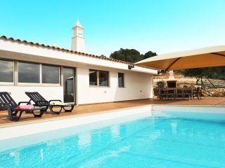 OUTSTANDING TRADITIONAL VILLA WITH A PRIVATE POOL, AC, FREE WIFI & FABULOUS VIEW