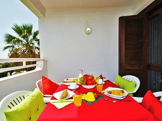 FANTASTIC APARTMENT, WI-FI, AIR CON, POOL, SEA VIEW!