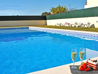 SUPERB VILLA ON A PRIVATE CONDOMINIUM WITH SWIMMING POOL, PARKING,  Wi-Fi & A/C