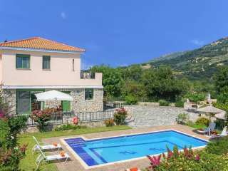 Skala Villa Sleeps 7 with Pool Air Con and WiFi - 5334443