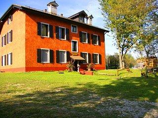 Casa Vacanze Asiago parco giochi bambini relax zona tranquilla vicino bosco.
