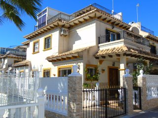 Villa La Joya, La Zenia ( WiFi, Sat TV, Private Solarium... )