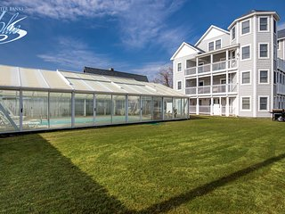 By The Sea: 10 BR / 10 BA ten bedroom house in Kill Devil Hills, Sleeps 24