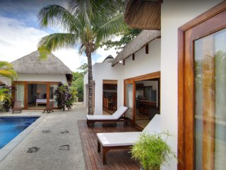 NAVANI VILLA - PRIVATE 3 bedroom villa located 500m away from the Beach