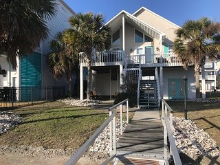 Charming Ocean Isle Beach Cottage only 250 Yards from the beach access