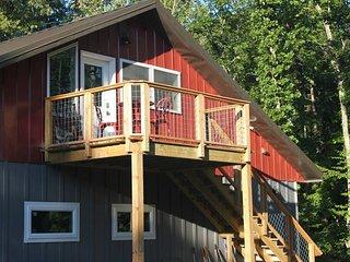 Rustic style 1 bedroom Loft getaway near Clemson