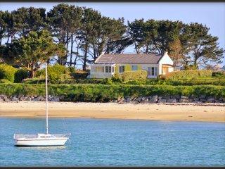 Maison sur la plage et le GR34