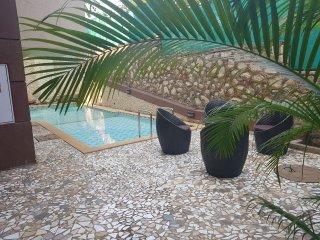 Palms Villa 'Daffodils'