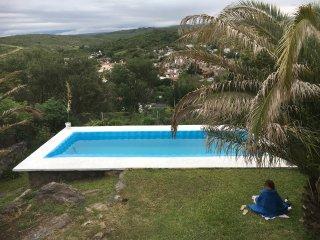 Amplia casa en Carlos Paz con pileta