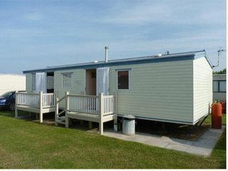 6 berth Caravan for hire ingoldmells