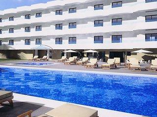 Luxurious Studio with Pool in Playa d'en Bossa