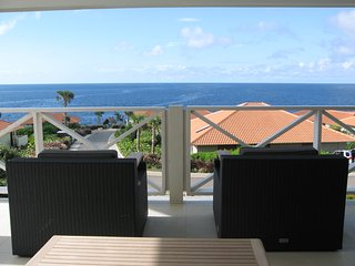 Childfriendly Apartment with a Large Terrace facing Ocean and Pool