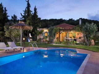 Villa Eleni / Luxury near the nature