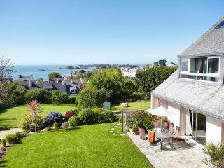 Magnifique Villa face à la Mer, PISCINE privée pour votre grand confort, calme et grand confort