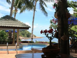 Beach front 5 bdr  villa in Idyllic Samui resort