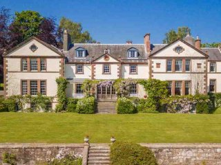 166-Exceptional Country House