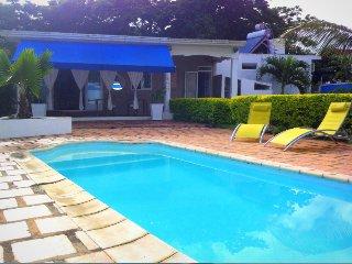 Villa avec piscine à 100m de la mer