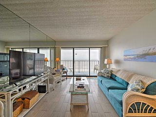 NEW! 1BR Galveston Beachfront Condo w/Ocean View!