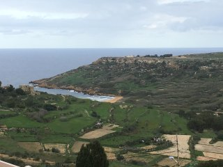 Modern 3 Bedroom Maisonette in Gozo, Valley and Sea Views, A/C, Wi-fi