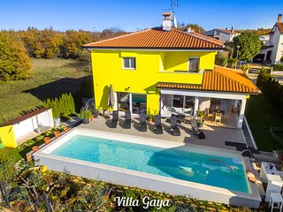 Villa Gaya - Duplex Four Bedroom Villa with Private Pool