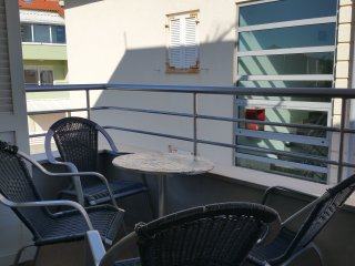 Apartments Robert - Two Bedroom Apartment with Balcony and Sea View - Attic