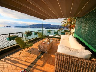 VILLA  ENRICA-4BR-terrace above the sea