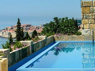 Bosanka Villa Sleeps 8 with Pool and Air Con - 5575628