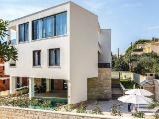 7 bedroom Villa in Ciovo, Splitsko-Dalmatinska Zupanija, Croatia : ref 5575550
