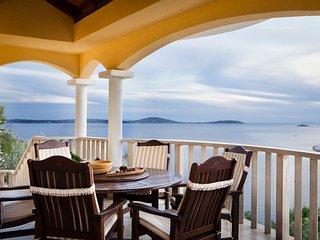 3 bedroom Villa in Voluja, Splitsko-Dalmatinska Zupanija, Croatia : ref 5575627