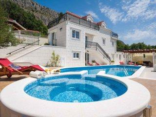 4 bedroom Villa in Omis, Splitsko-Dalmatinska Zupanija, Croatia : ref 5575423