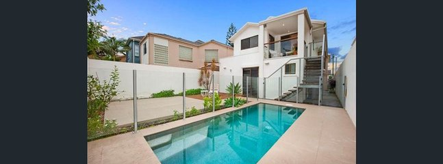 Gold Coast Beachside Holiday House