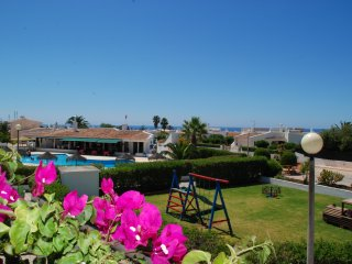 Holiday apartment with pool walking distance to beaches, amenities, town centre