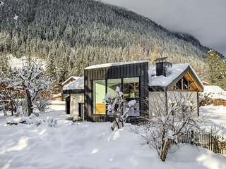Chalet Black Diamond