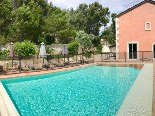 Villa 10 pers dans pinède, Gde piscine, vue, calme