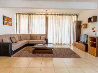 Centrally located 2 bedroom Penthouse apartment