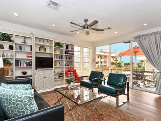 Exceptional townhouse - Royal Palm Suite - with Gulf Views from all 3 balconies