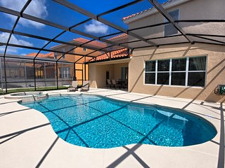 (467-WATER) 6 Bed 5.5 Bath, South Facing Pool/Spa, Luxury Clubhouse