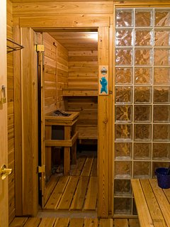 Blue Sky Lodge comes complete with a sauna!