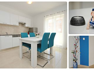 Modern two bedroom apartment for 6