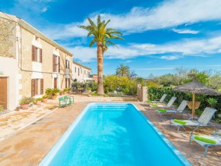 CAN SALVADOR - Villa for 6 people in Moscari