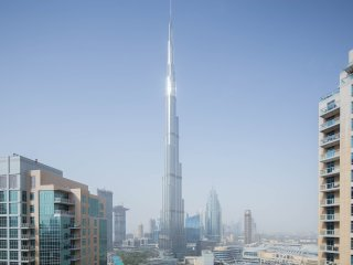 Full Burj Views - Luxury 2BR Downtown Dubai