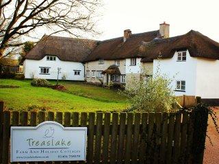 Stunning Devon Country Cottages - Mallard Cottage, sleeps 8, 4 bedrooms