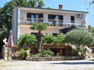 Apartment Nicki - 10 meters from the sea