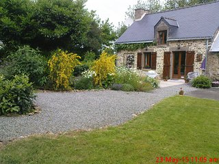 Beautiful Rural Gite retreat with view half an hour from everywhere of interest