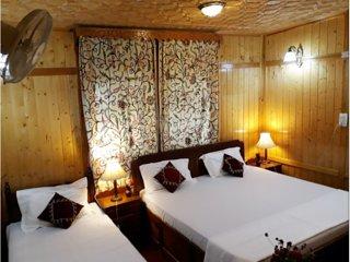 Shalimar Houseboats Room 3