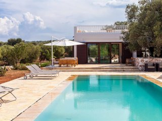 997 Luxury Villa with Heated Pool in Carovigno