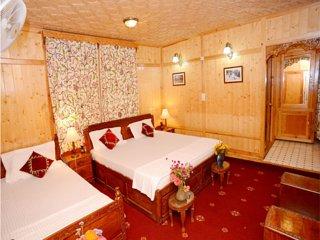 Shalimar Houseboats Room 6