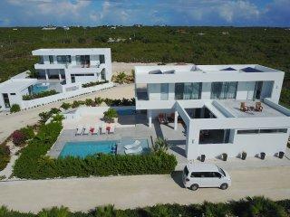 Gorgeous Indoor-Outdoor Living Villa 3 bedrooms